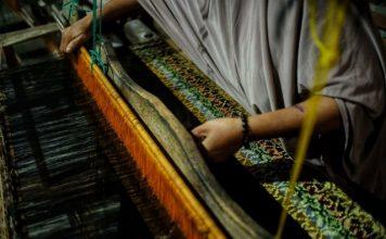 kain tenun tradisional